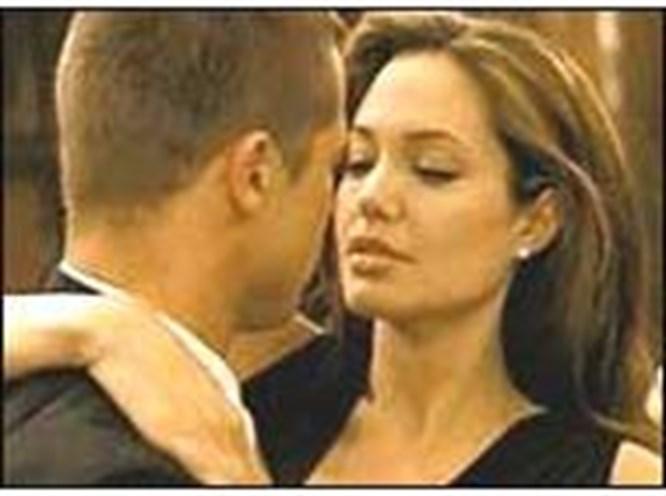 Pitt patladı: Jolie'yle birlikte değilim